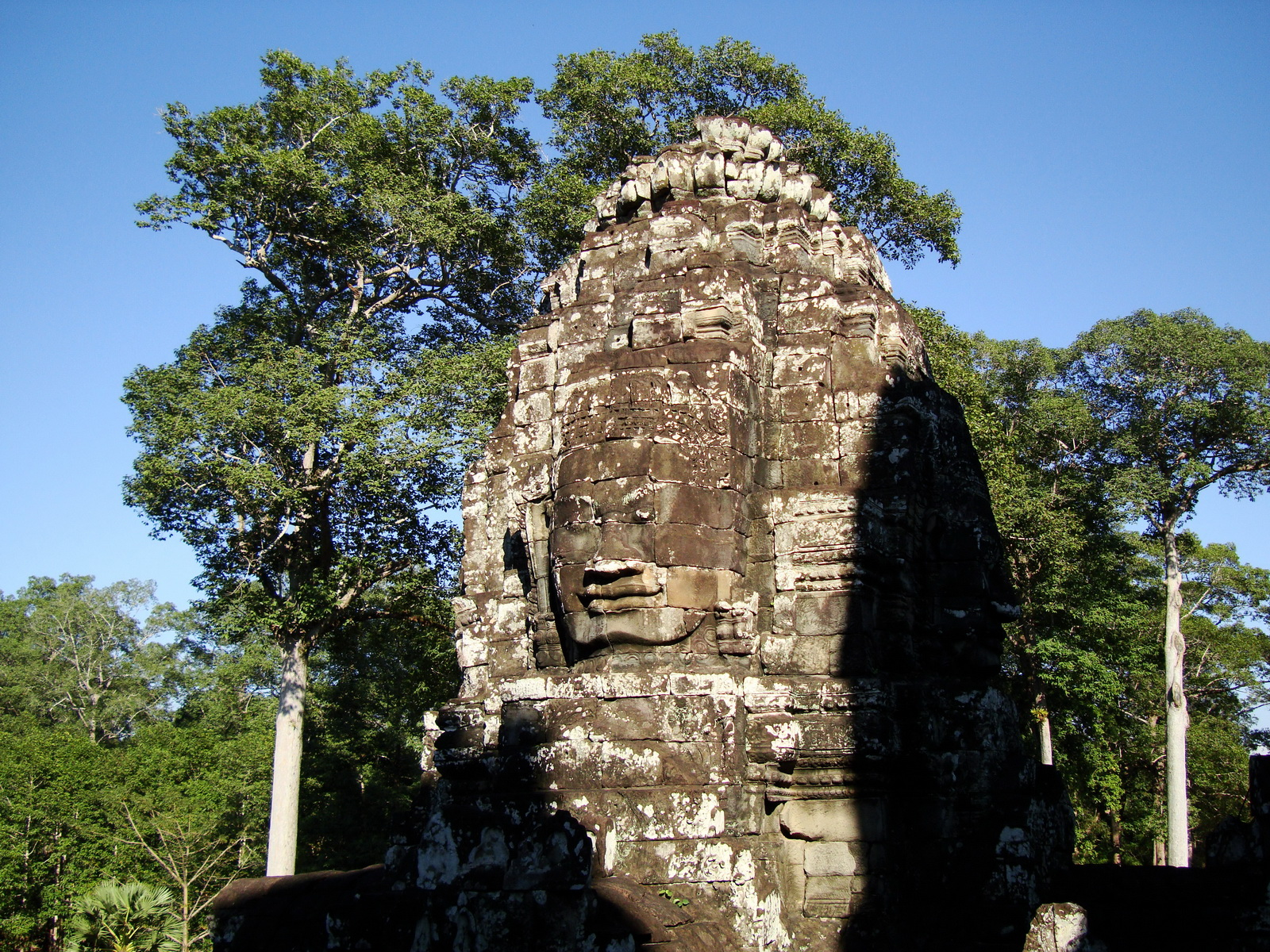 Bayon Temple SW inner gallery corner face towers Angkor Siem Reap 01