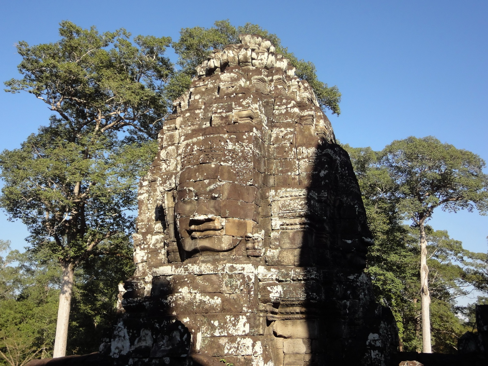 Bayon Temple SW inner gallery corner face towers Angkor Siem Reap 06