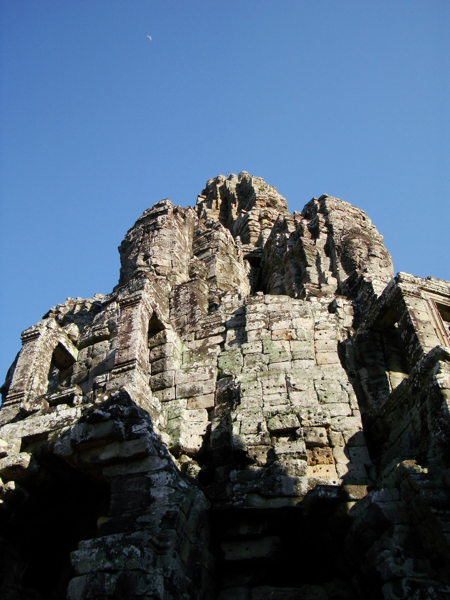 Bayon Temple central face tower Angkor Siem Reap 07