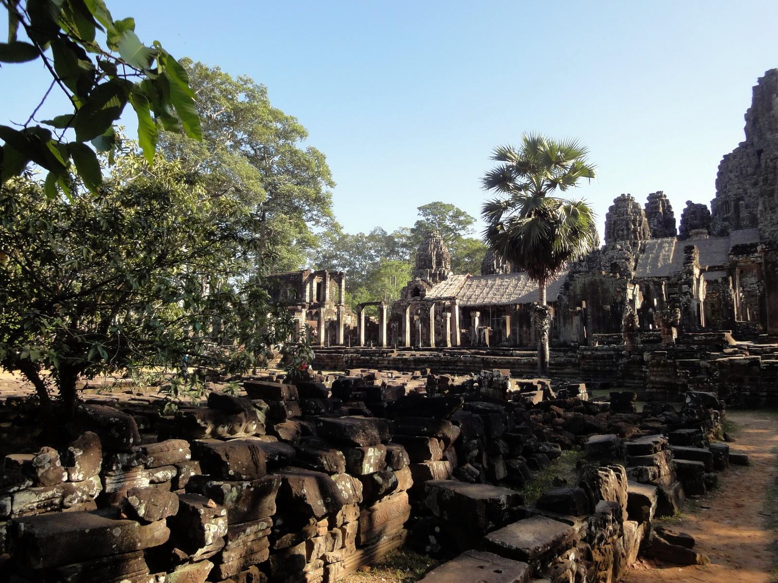 Bayon Temple eastern gopura entrance Angkor Jan 2010 04