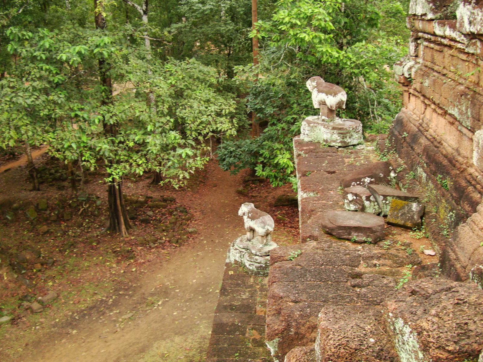 Phimeanakas celestial temple Terraces Hindu Khleang style Angkor 02