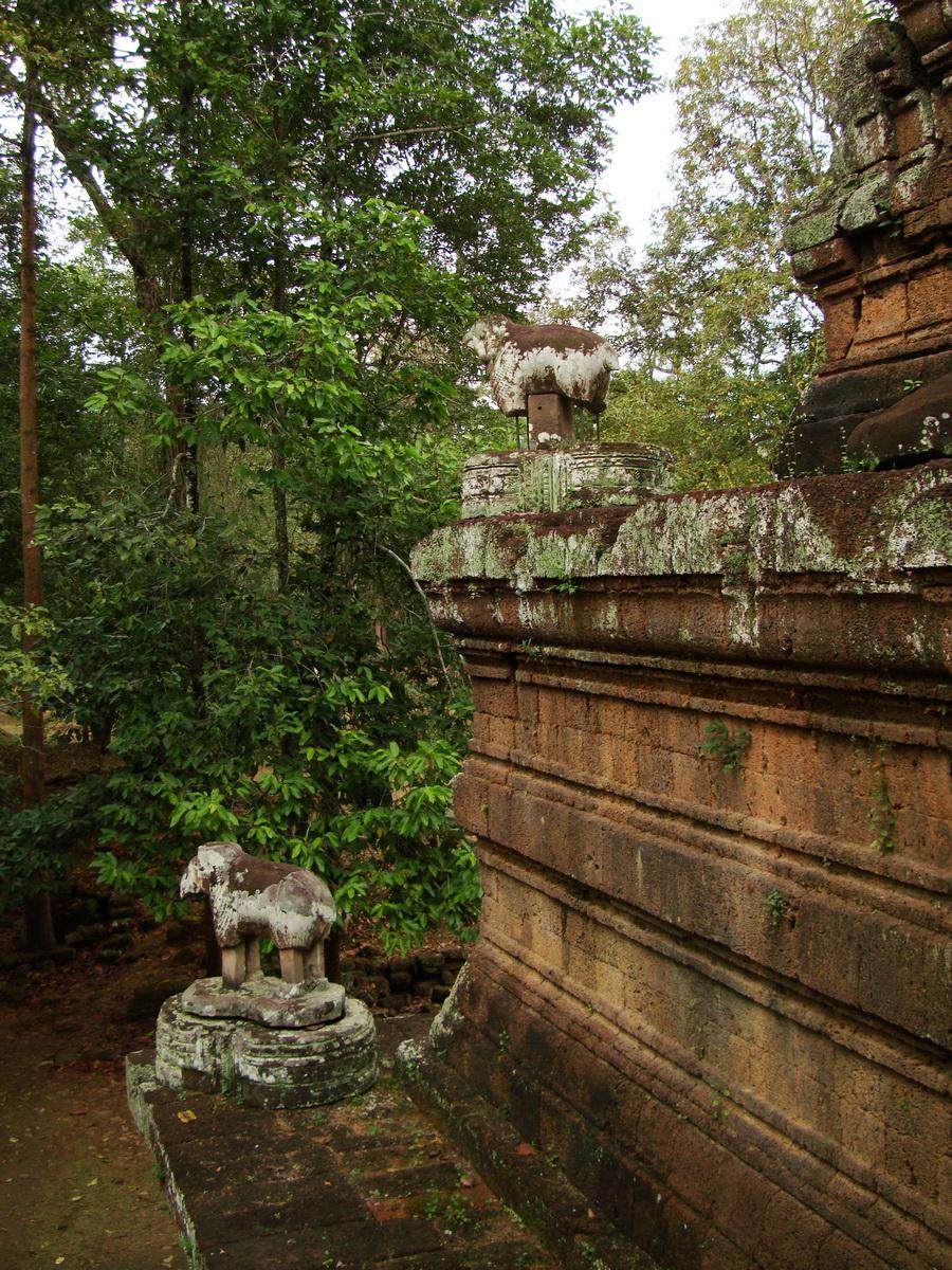 Phimeanakas celestial temple Terraces Hindu Khleang style Angkor 03