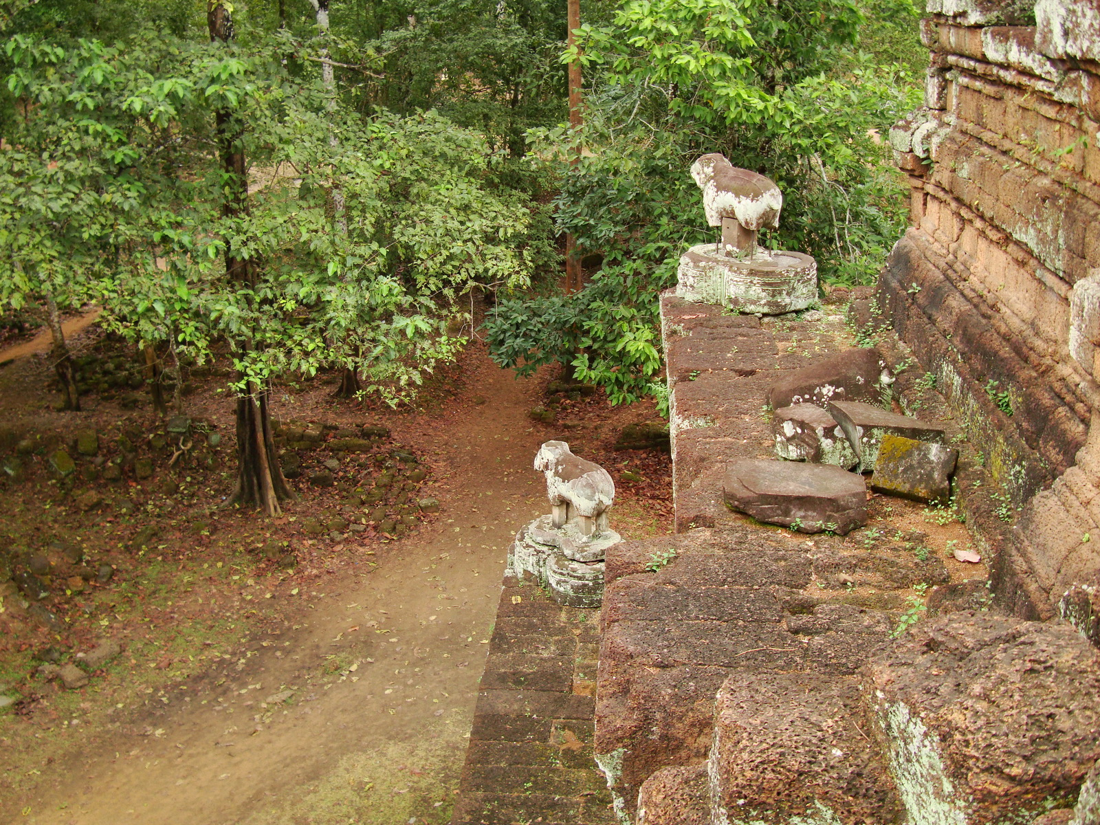 Phimeanakas celestial temple Terraces Hindu Khleang style Angkor 04