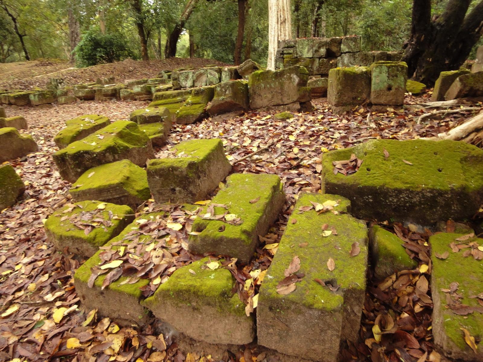 Phimeanakas stones marked for restoration Hindu Khleang style 03