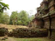 Asisbiz Celestial temple eastern side guardian lion Hindu Khleang style Angkor 02