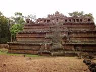 Asisbiz Celestial temple eastern side guardian lion Hindu Khleang style Angkor 03