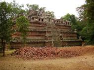 Asisbiz Celestial temple eastern side guardian lion Hindu Khleang style Angkor 04