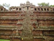 Asisbiz Celestial temple eastern side guardian lion Hindu Khleang style Angkor 05