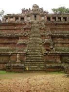 Asisbiz Celestial temple eastern side guardian lion Hindu Khleang style Angkor 06