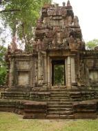 Asisbiz Phimeanakas Royal Palace inner eastern gate Angkor Jan 2010 02