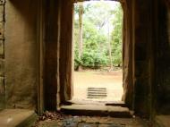 Asisbiz Phimeanakas Royal Palace inner eastern gate Angkor Jan 2010 06