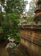 Asisbiz Phimeanakas celestial temple Terraces Hindu Khleang style Angkor 03