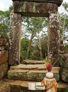 Asisbiz Phimeanakas central tower Southern views Hindu Khleang style 10