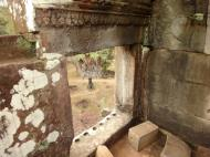 Asisbiz Phimeanakas central tower Southern views Hindu Khleang style 16