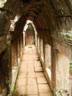 Asisbiz Phimeanakas central tower passageways Hindu Khleang style 03
