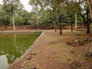 Asisbiz Royal Palace female bathing pond Hindu Khleang style Angkor 02