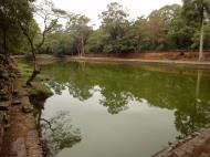 Asisbiz Royal Palace female bathing pond Hindu Khleang style Angkor 03