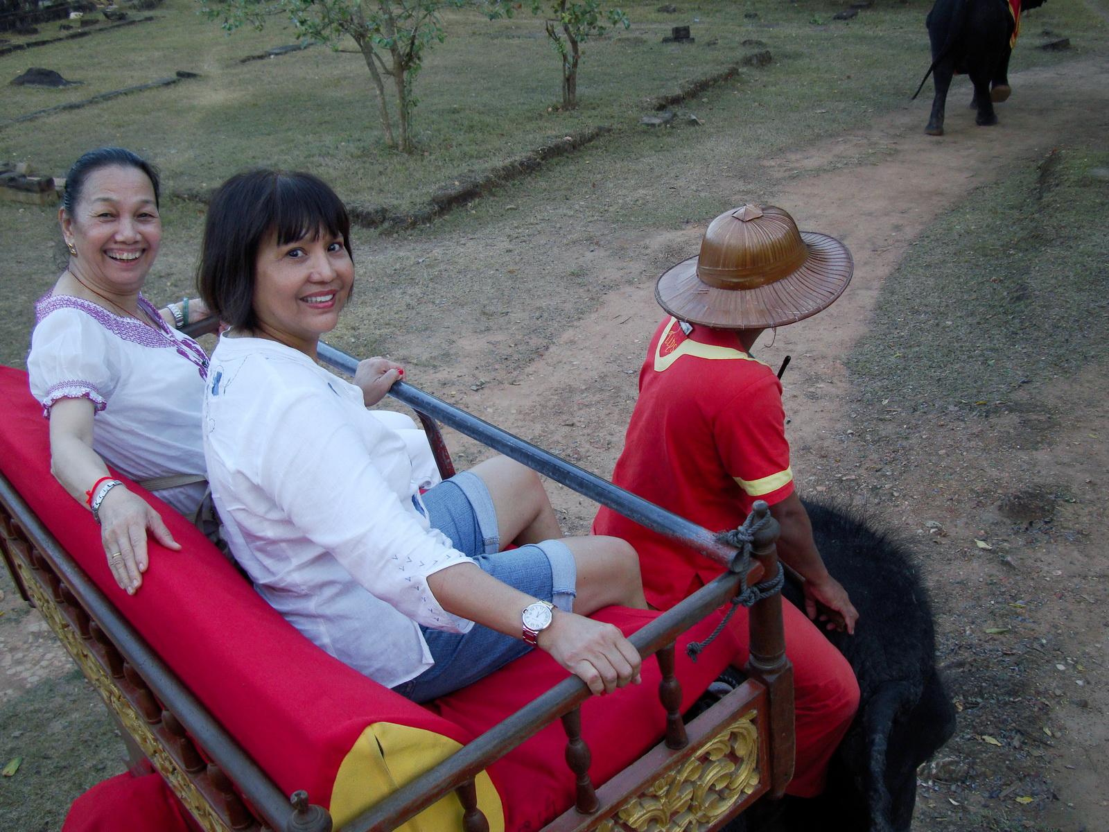Phnom Bakheng Temple Camdodian elephant ride Angkor 02