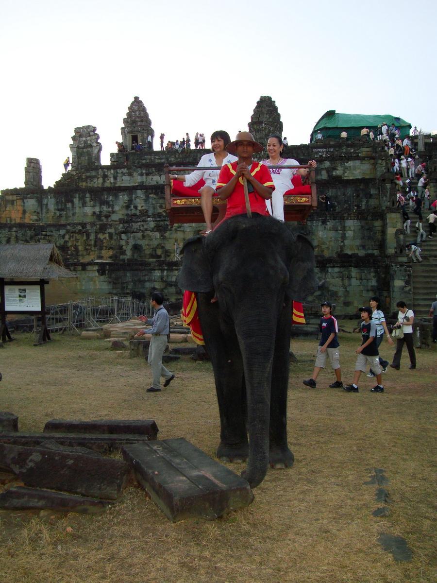 Phnom Bakheng Temple Camdodian elephant ride Angkor 06
