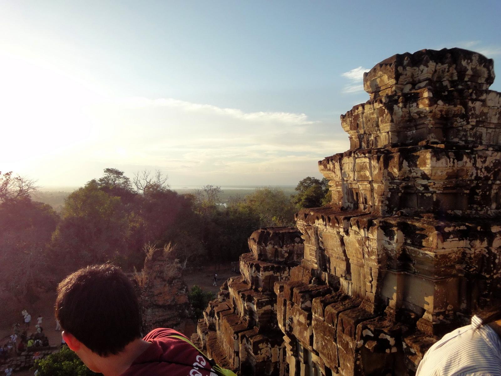 Phnom Bakheng Temple tourist sunset rush Angkor 06