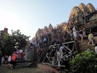 Asisbiz Phnom Bakheng Temple popular tourist sunset spot Angkor 11