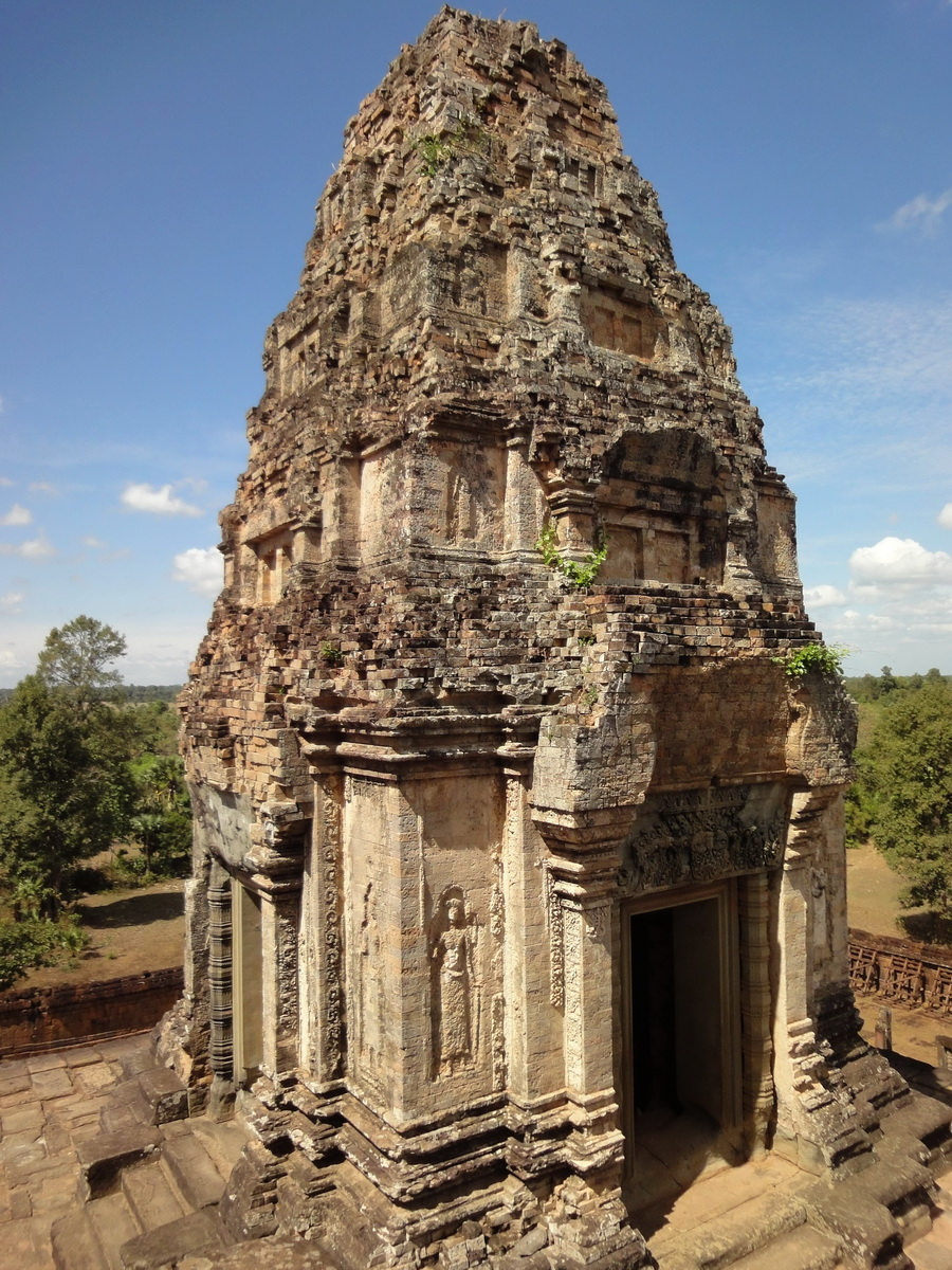 Facing East Pre Rup Temple inner towers East Baray 2010 01