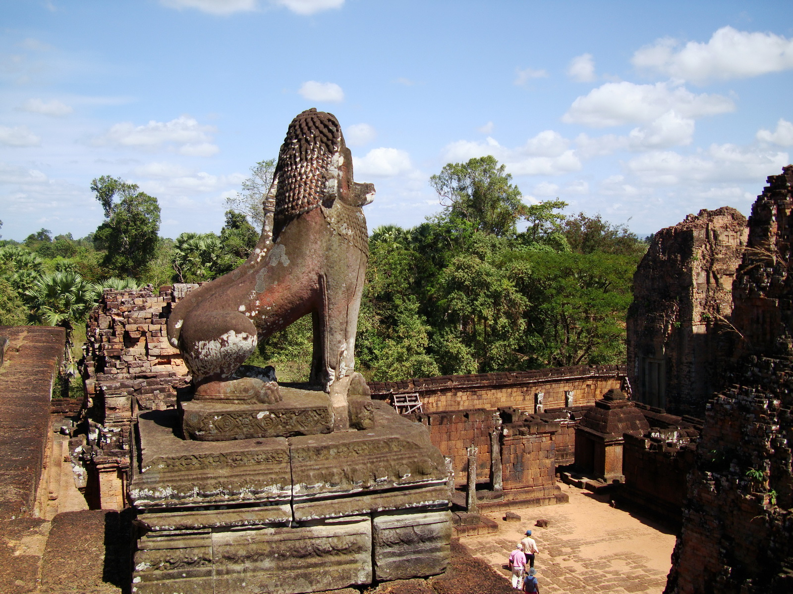 Facing NE Pre Rup Temple central tower courtyard lions East Baray 01