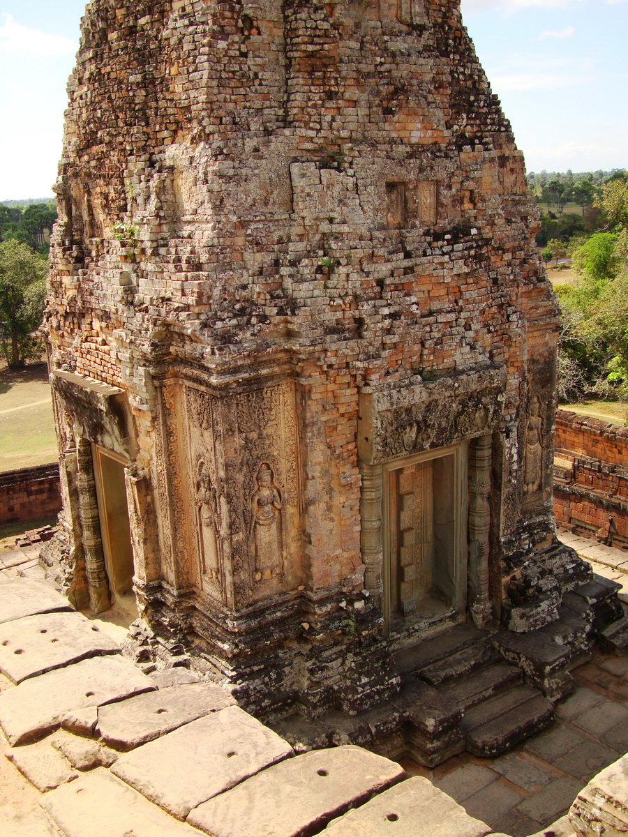 Facing NW Pre Rup Temple upper courtyard tower East Baray 2010 01