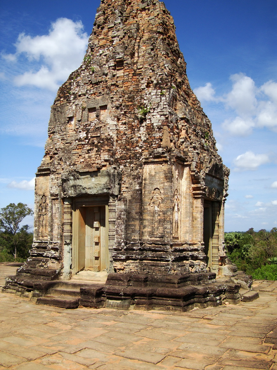 Facing North Pre Rup Temple inner towers East Baray 04