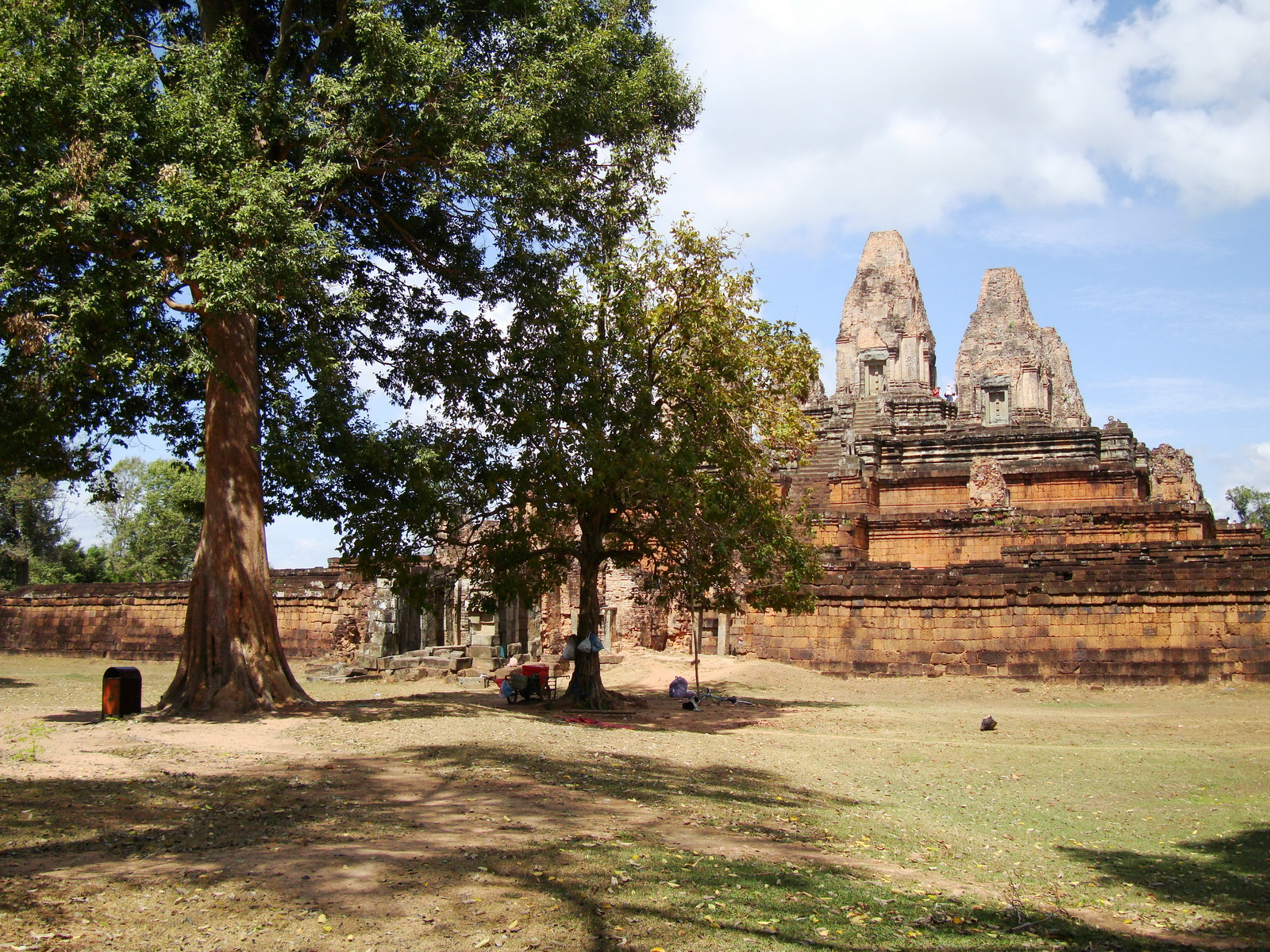 Facing North Pre Rup Temple laterite brick towers East Baray Jan 2010 07