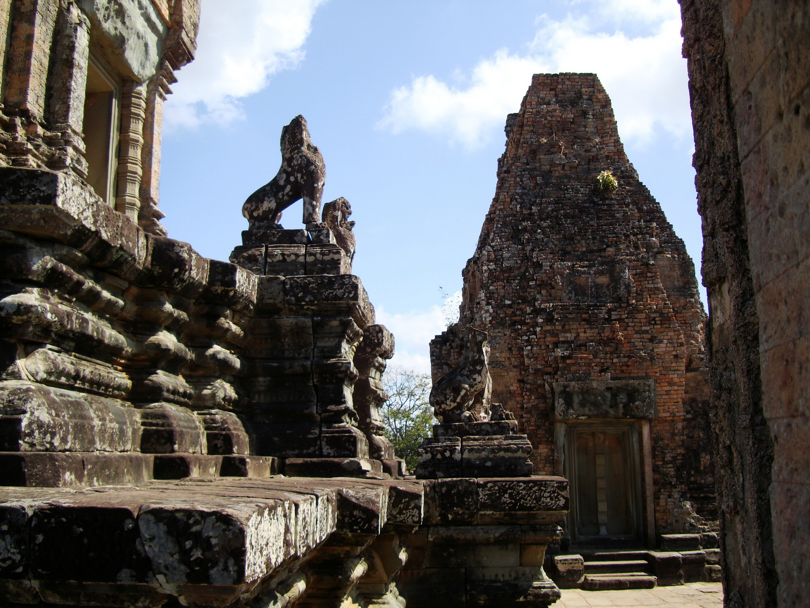 Facing North Pre Rup Temple lower courtyard library East Baray 2010 01