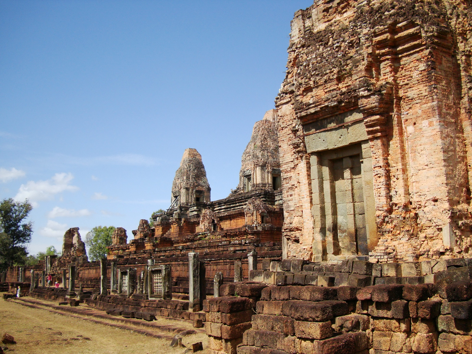 Facing North Pre Rup Temple lower courtyard towers East Baray 2010 04