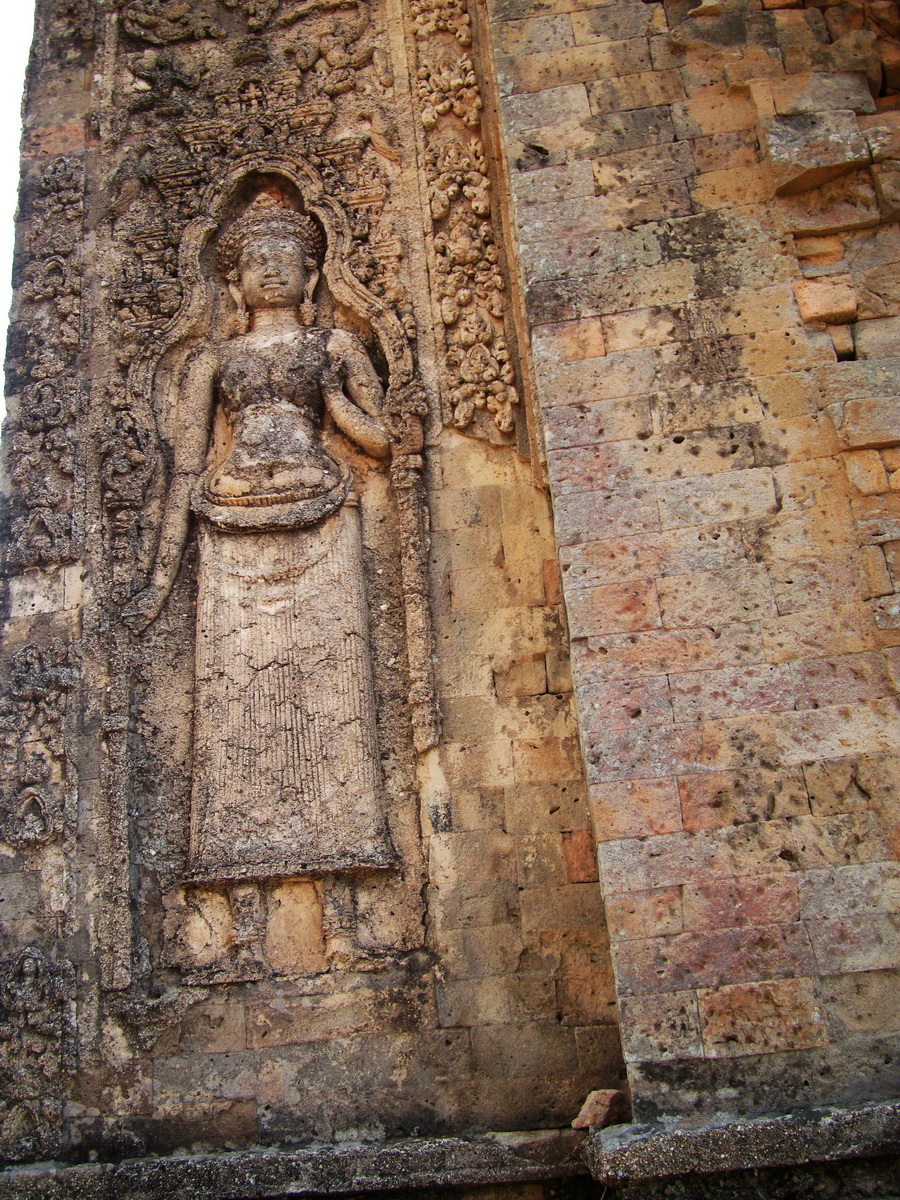 Facing SW Pre Rup Temple SW tower bas reliefs East Baray 05