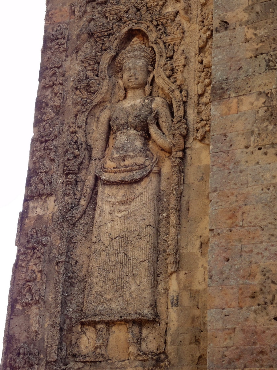 Facing SW Pre Rup Temple SW tower bas reliefs East Baray 08