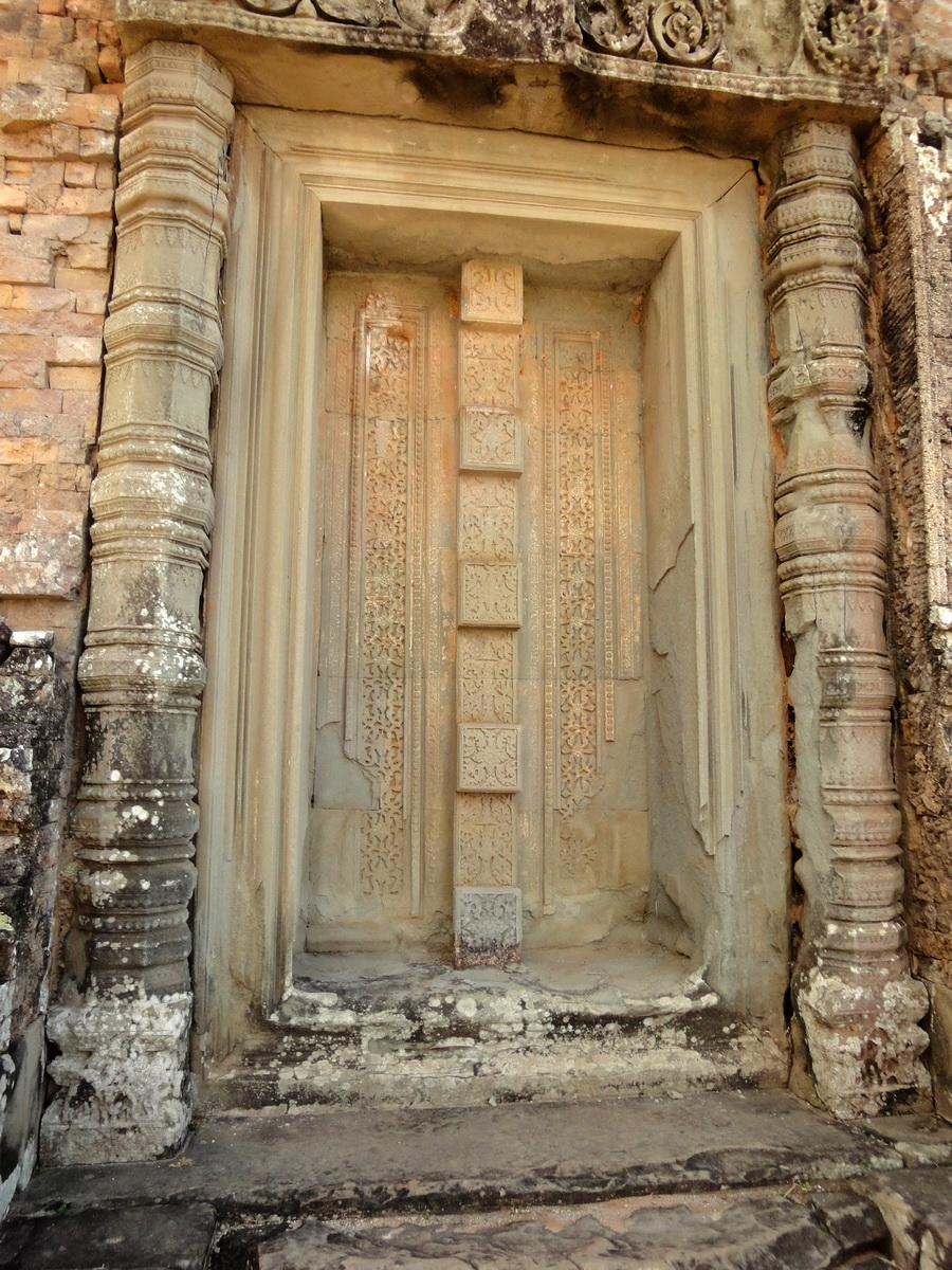 Facing SW Pre Rup Temple SW tower bas reliefs East Baray 09
