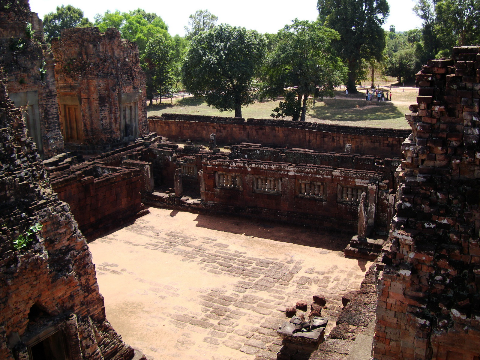 Facing South Pre Rup Temple inner courtyard East Baray 2010 01
