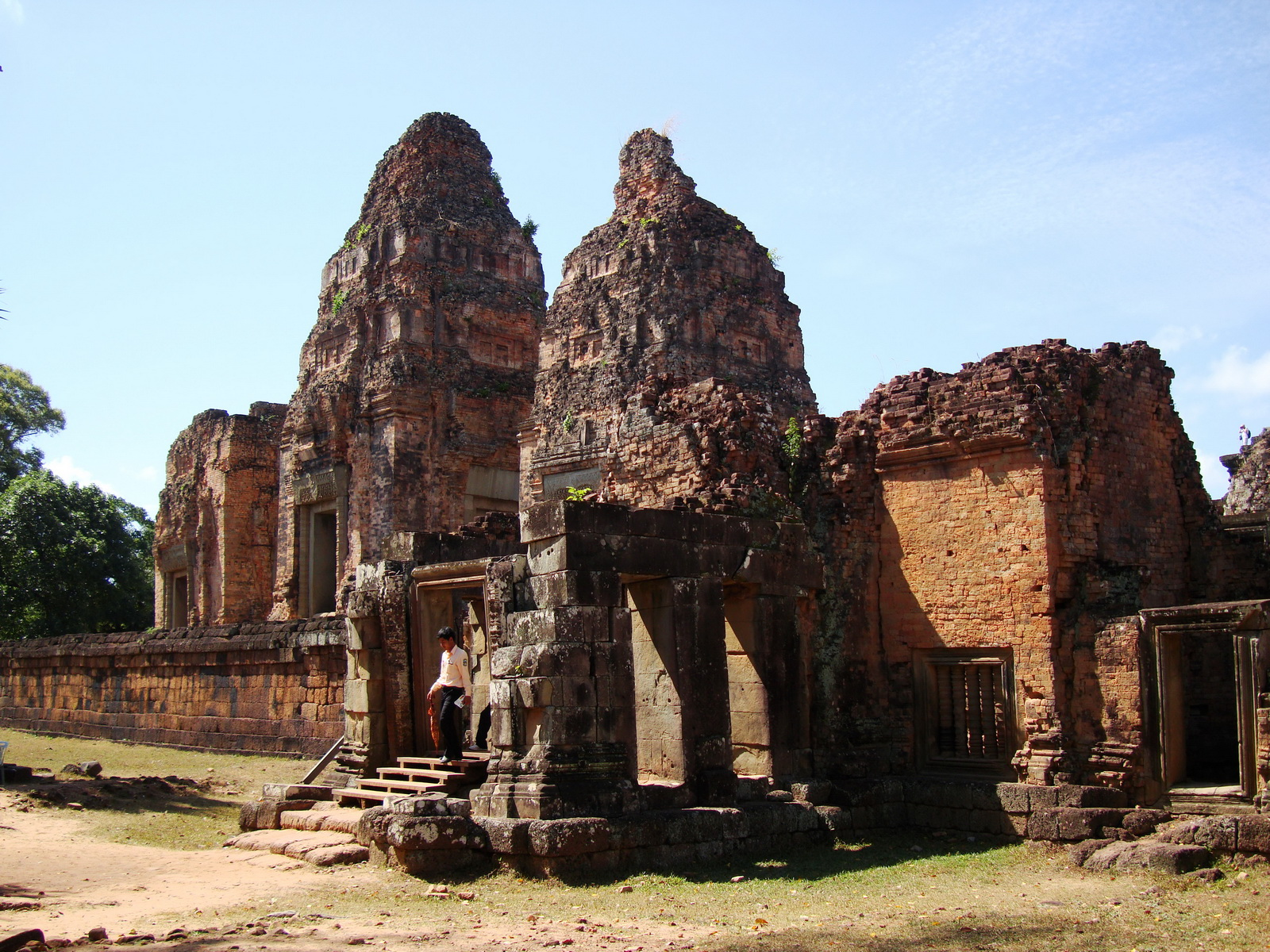 Facing West Pre Rup Temple outer towers East Baray 05