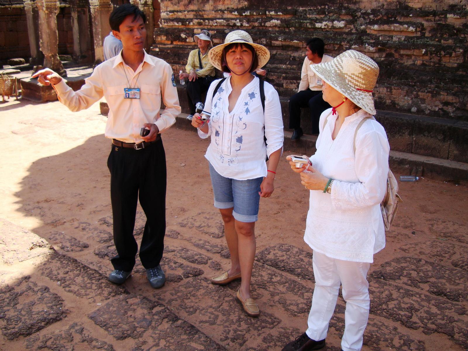 Pre Rup Temple Angkor Village hotel Tour guide Phin Lyngeth 01