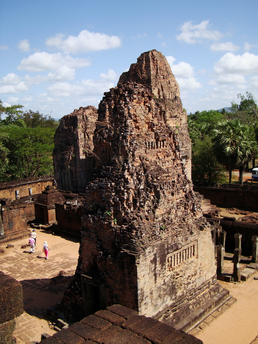 Pre Rup Temple Library tower East Baray Jan 2010 05