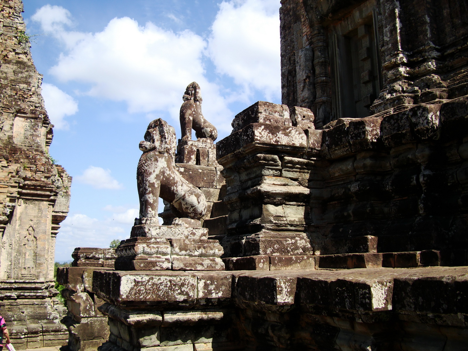 Western side Pre Rup Temple central tower lions East Baray 2010 02