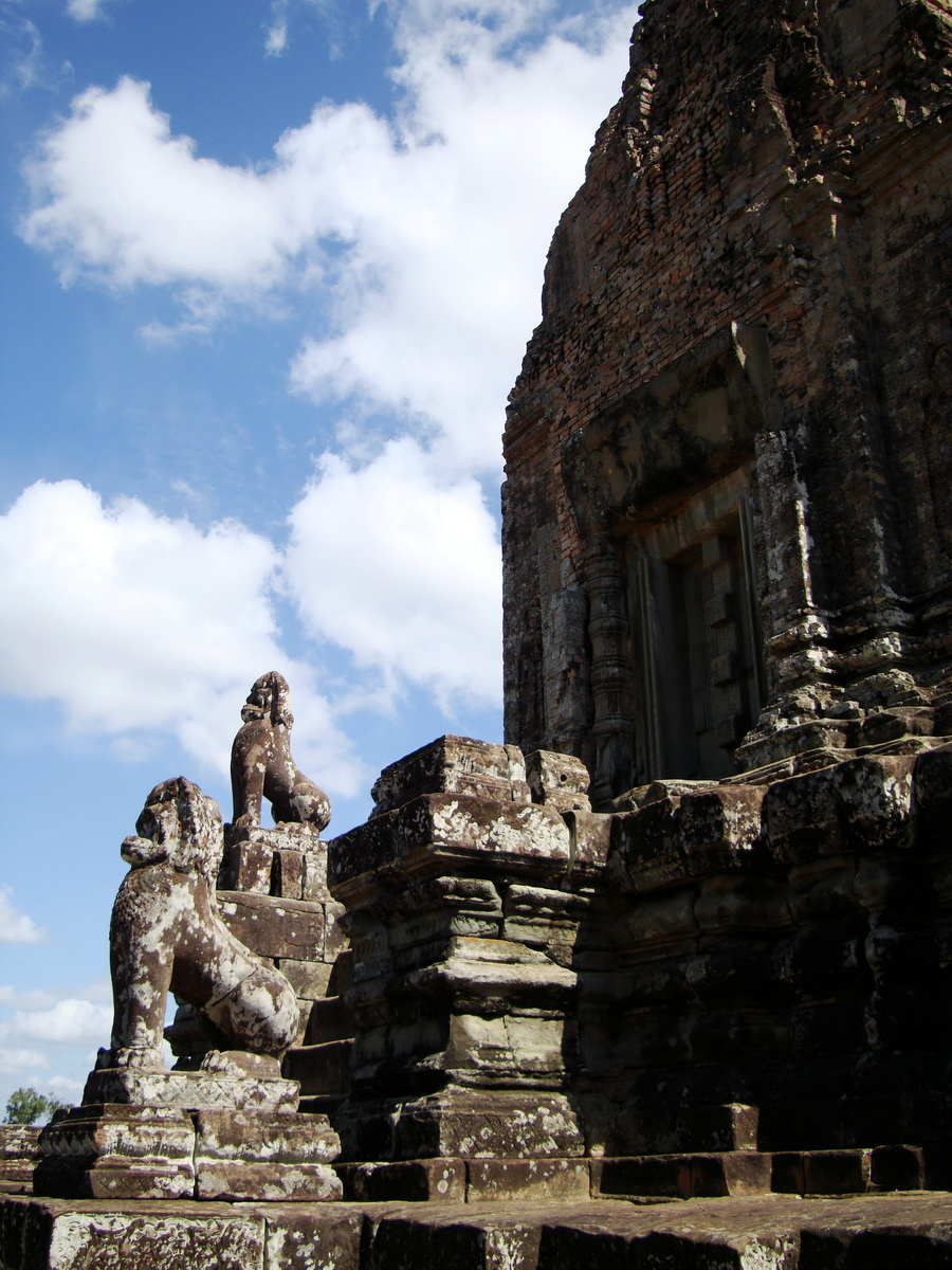 Western side Pre Rup Temple central tower lions East Baray 2010 03