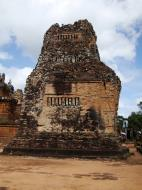 Asisbiz Facing North Pre Rup Temple lower courtyard towers East Baray 2010 02