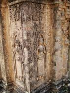 Asisbiz Facing SW Pre Rup Temple SW tower bas reliefs East Baray 04