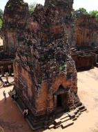Asisbiz Pre Rup Temple Library tower East Baray Jan 2010 07