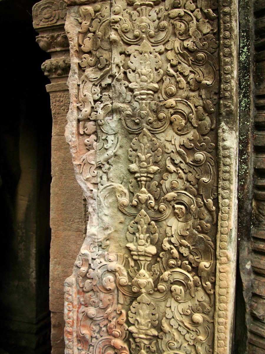 Preah Khan Temple Bas relief column designs Preah Vihear province 01