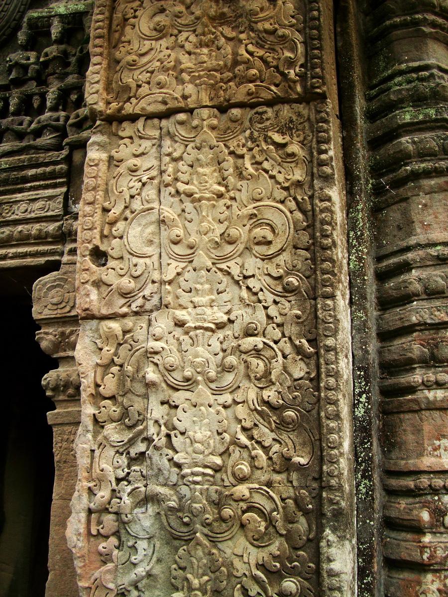 Preah Khan Temple Bas relief column designs Preah Vihear province 02