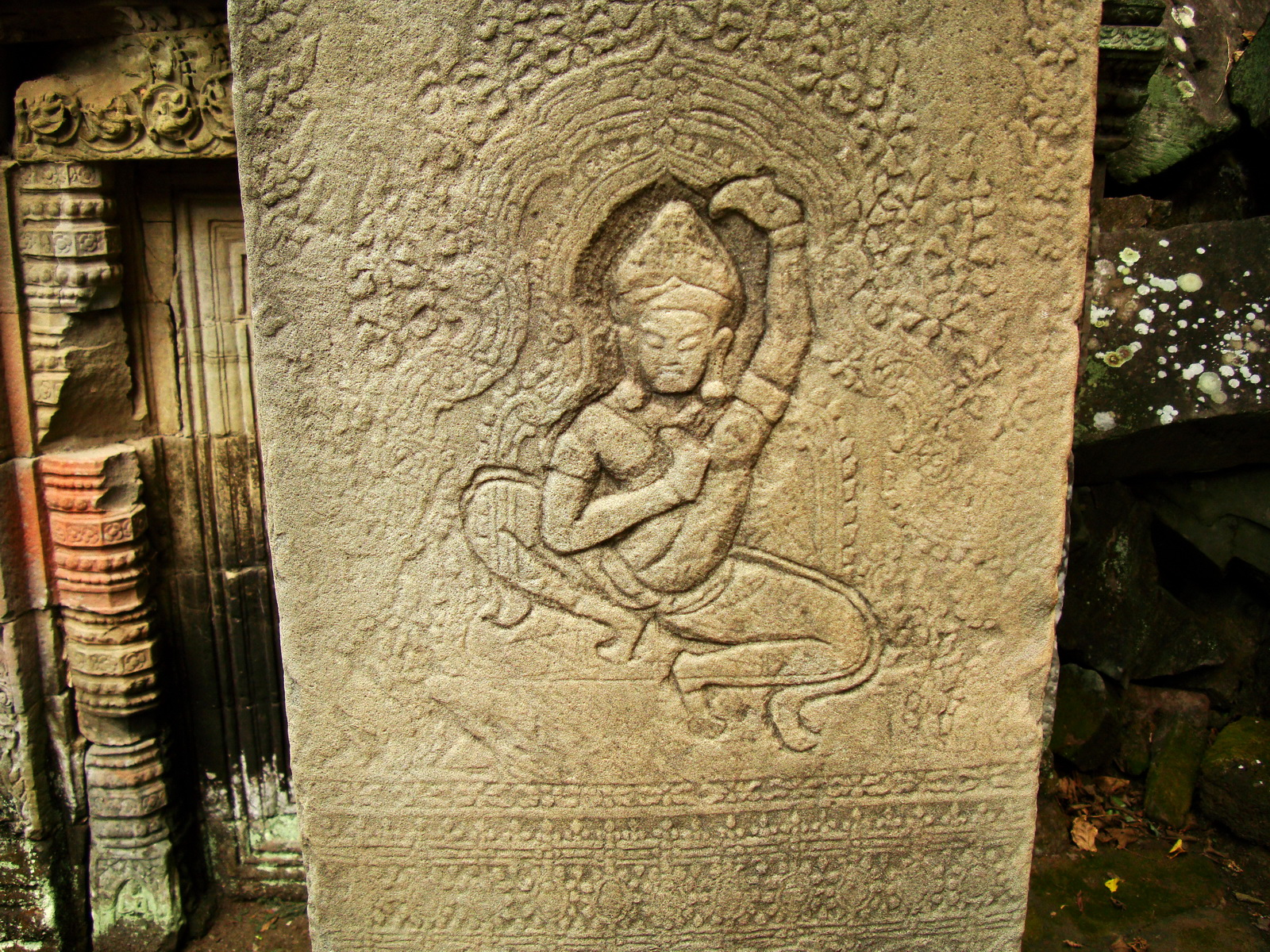 Preah Khan Temple Bas relief dancing Apsaras hall of dancers 10