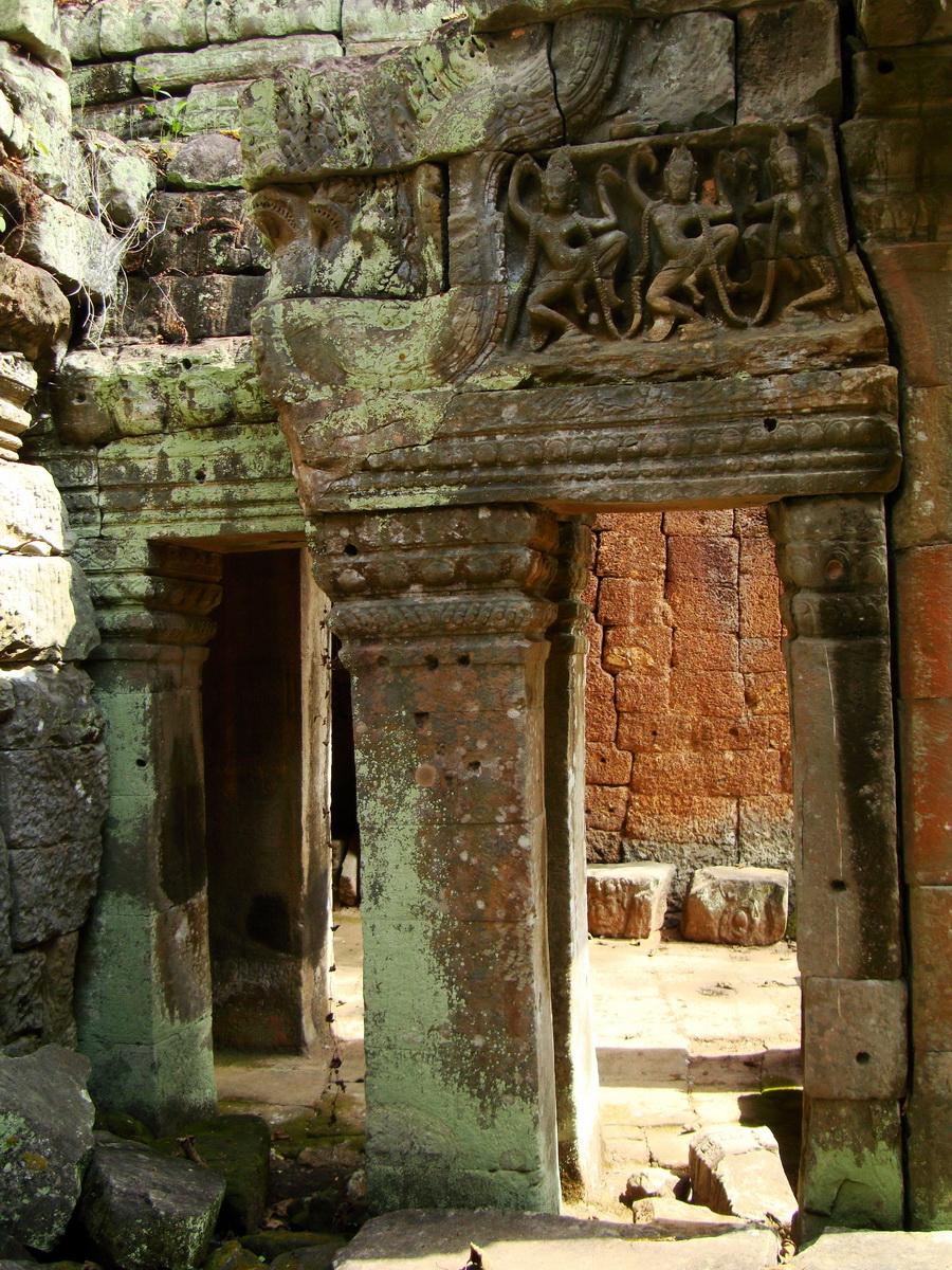Preah Khan Temple Bas relief dancing Apsaras hall of dancers 11