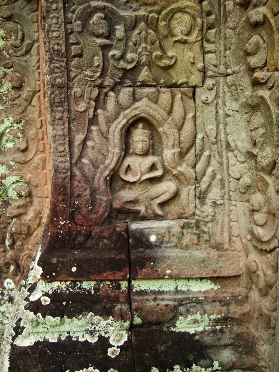 Preah Khan Temple Bas relief dancing Apsaras hall of dancers 16