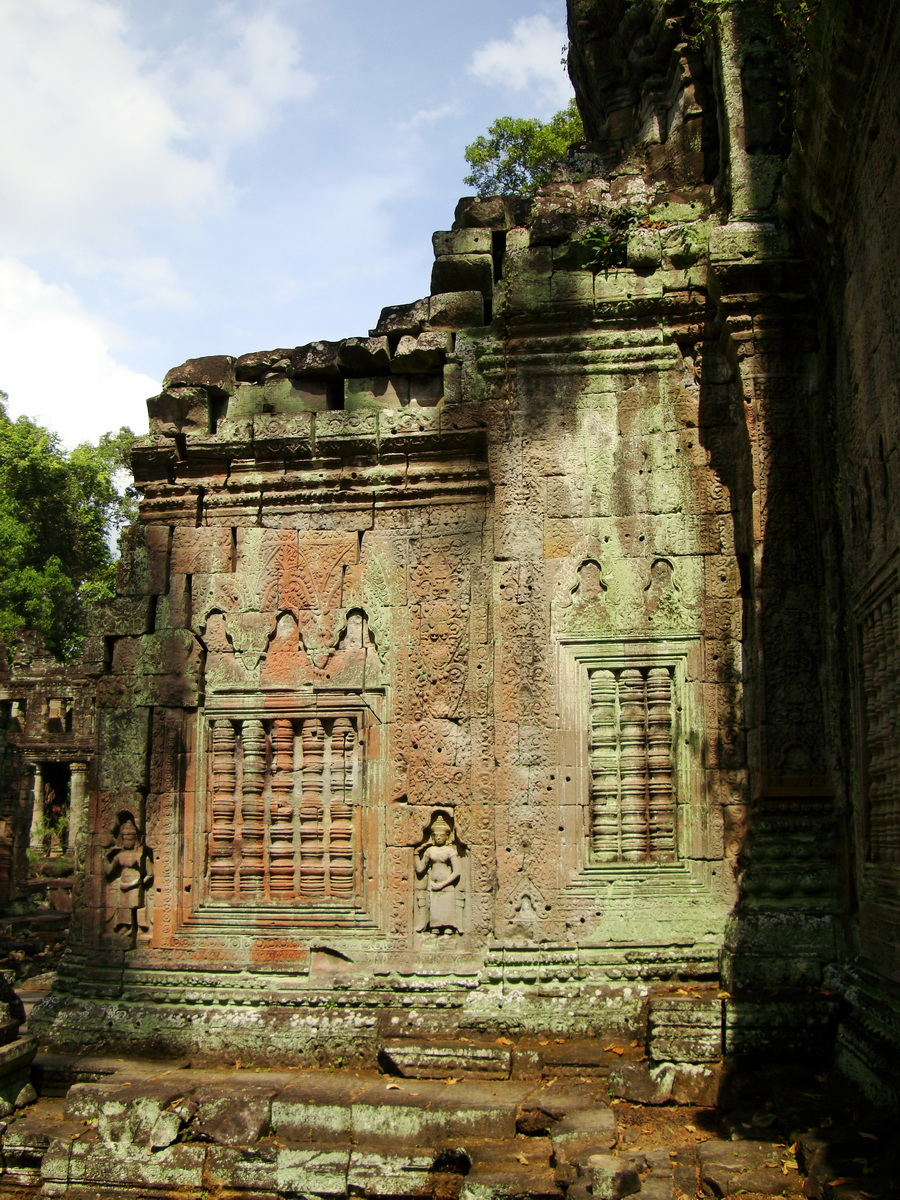 Preah Khan Temple Bas relief false door for the spirits Cambodia 08